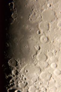 20051110-moon1
